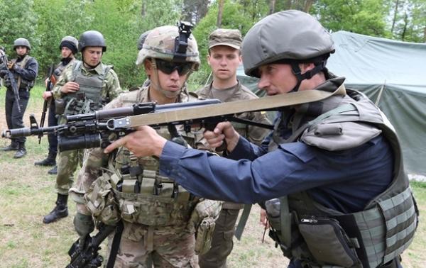 Как американцы готовят украинских бойцов – репортаж с полигона