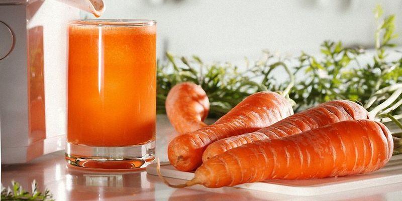 Морковный сок способен оздоровить кожу