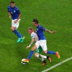 [:ru]Италия – Ирландия – 0:1. Видео гола и обзор матча[:uk]Італія – Ірландія – 0:1. Відео голу і огляд матчу[:]