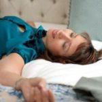Медики рассказали, почему вредно долго спать