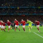 [:ru]Уэльс повторил за Исландией празднование победы с фанами[:uk]Уельс повторив за Ісландією святкування перемоги з фанами[:]