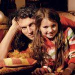 [:ru]Кузьма Скрябин с дочерью и женой: эксклюзивные фото Viva![:uk]Кузьма Скрябін з дочкою та дружиною: ексклюзивні фото Viva![:]
