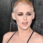 [:ru]Почти лысая: Кристен Стюарт шокировала поклонников новой стрижкой (Фото)[:uk]Майже лиса: Крістен Стюарт шокувала шанувальників новою зачіскою (Фото)[:]