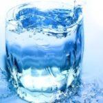 Американські фахівці розповіли, скільки потрібно пити води в добу