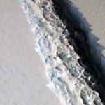 ESA показало на відео народження величезного айсберга в Антарктиді