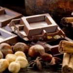Медики рассказали, как шоколад помогает бороться с бессонницей