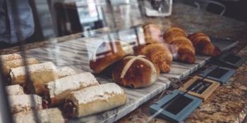 Дієтологи пояснили, від яких продуктів краще відмовитися після 30