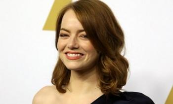 Эмма Стоун возглавила список самых богатых актрис года