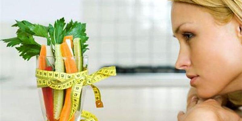 Медики рассказали, в какое время суток нужно есть для похудения
