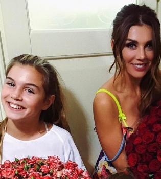 Вместе веселее: Анна Седокова тренируется в спортзале со своей старшей дочерью (видео)