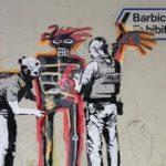[:ru]Бэнкси сделал новые граффити по случаю выставки Баския: фото[:uk]Бенксі зробив нові графіті з нагоди виставки Баскія: фото[:]