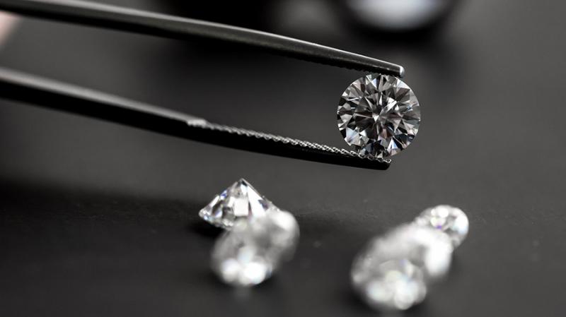 Алмазный гигант De Beers внедряет блокчейн для отслеживания поставок алмазов