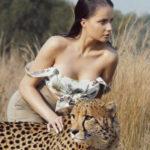 """[:ru]Сексуально и опасно: My Ree в клипе """"Дико танцевать"""" снялась с дикими животными[:uk]Сексуально і небезпечно: My Ree в кліпі """"Дико танцювати"""" знялася з дикими тваринами[:]"""
