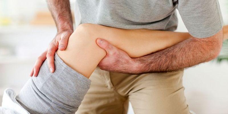 Медики розповіли, як позбавитися від болю в колінах