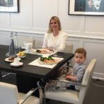 Иванка Трамп в мини-юбке появилась на работе с двухлетним сыном