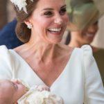 [:ru]Фото дня! В сеть попал снимок с улыбающимся двухмесячным принцем Луи[:uk]Фото дня! У мережу потрапив знімок з усміхненим двомісячним принцом Луї[:]