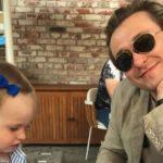 [:ru]Как это трогательно! Сергей Безруков опубликовал нежное видео с дочерью[:uk]Як це зворушливо! Сергій Безруков опублікував ніжне відео з донькою[:]