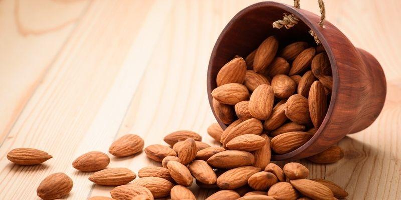 """Медики назвали продукти, які допоможуть знищити """"поганий"""" холестерин"""