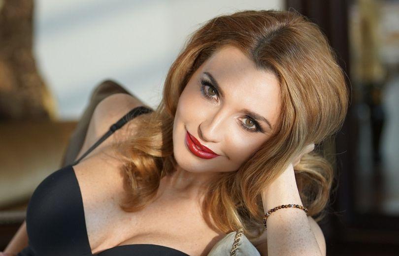 Оксана Марченко прийняла #танціззіркамиchallenge і запросила Павла Зіброва