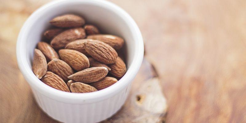 Лікарі розповіли, якою горіх самий корисний для організму