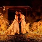 [:ru]Гори оно все! Невесты-лесбиянки подожгли себя в платьях, чтобы сделать оригинальные свадебные фото[:uk]Гори воно все! Нареченої-лесбіянки підпалили себе в сукнях, щоб зробити оригінальні весільні фото[:]