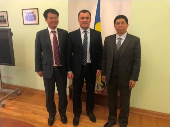 Інвестиції Китаю в Україну: у Рахунковій палаті назвали суми і напрям