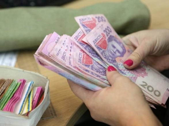 Підприємці за серпень скоротили борги по зарплатах