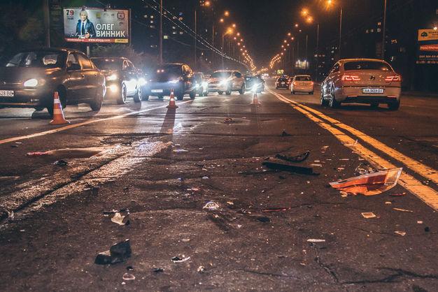 У Києві нетверезий водій влаштував потрійне ДТП, є постраждалий