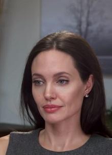 Анджелина Джоли намерена отсудить детей у Брэда Питта