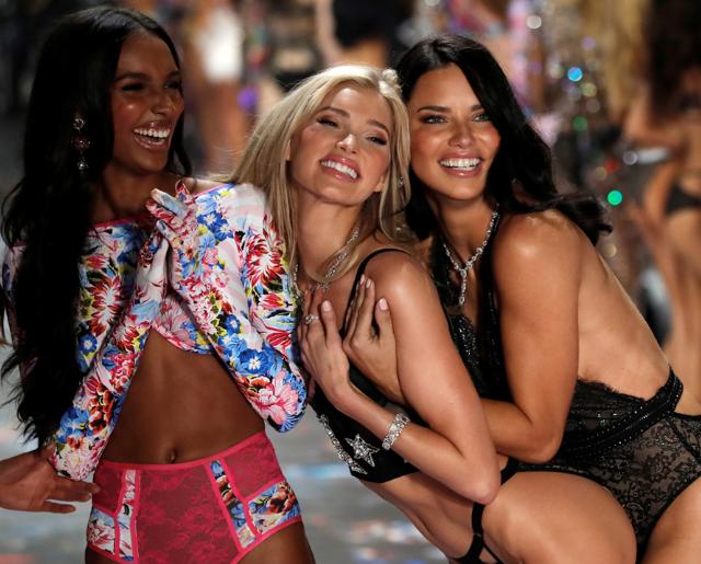 Не соответствуют: как Victoria`s Secret оскандалилась из-за пышных моделей