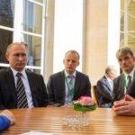 """[:ru]Порошенко и Путин не зря приглашены в Париж: эксперт рассказал о """"хитром плане"""" Меркель[:uk]Порошенко і Путін не дарма запросили в Париж: експерт розповів про """"хитрий план"""" Меркель[:]"""