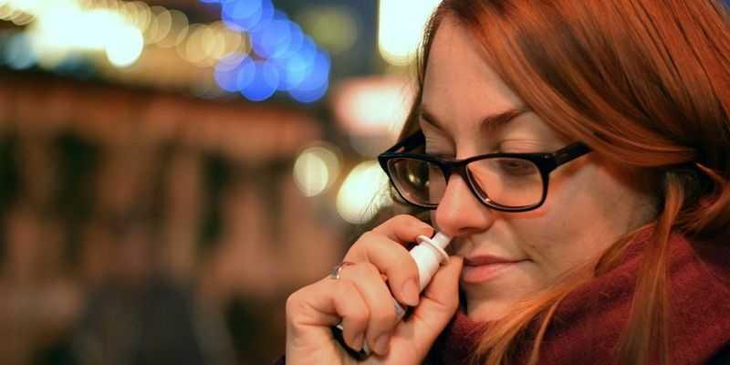 Врачи назвали главные ошибки при лечении насморка