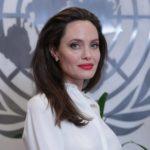 [:ru]Западные СМИ: Анджелина Джоли положила глаз на женатого Дэвида Бекхэма[:uk]Західні ЗМІ: Анджеліна Джолі поклала око на одруженого Девіда Бекхема[:]