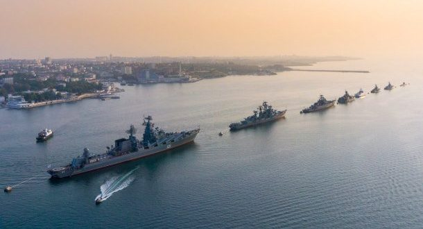 """Путин дал понять – Крым и дальше будут """"набивать"""" войсками"""
