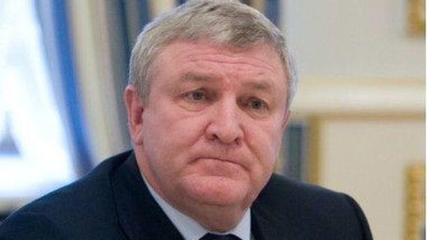 Суд разрешил задержать бывшего министра обороны Украины