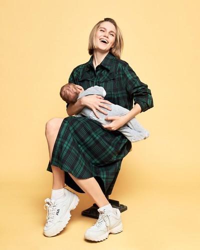 Дарья Мельникова впервые опубликовала фото с двухмесячным сыном