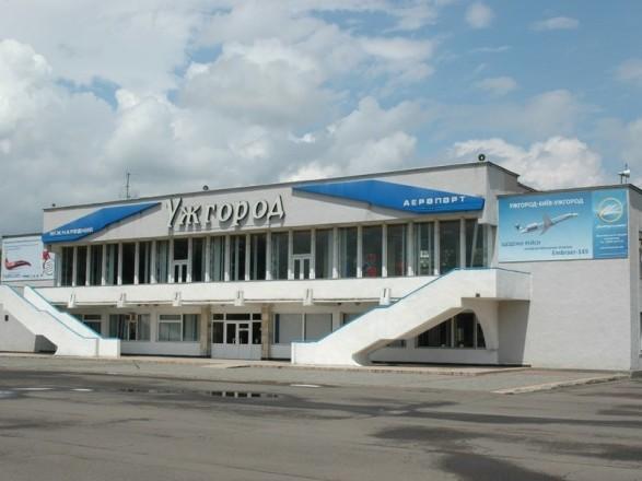 Омелян рассказал, когда возобновится авиасообщение Киева с Ужгородом