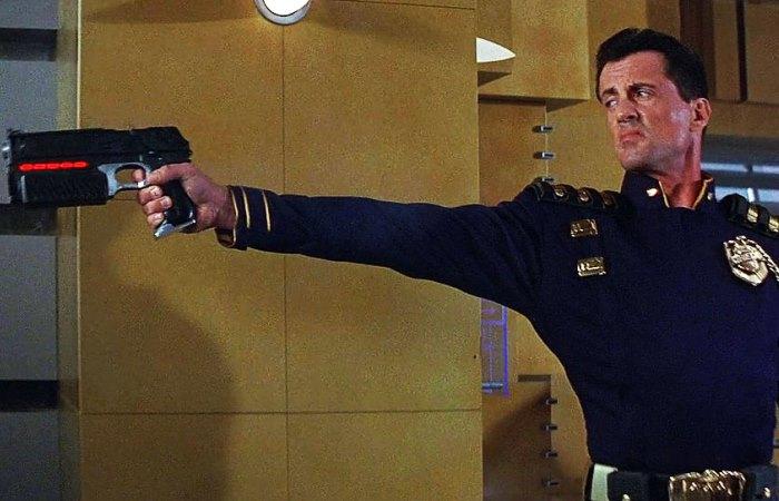 Создан «умный» пистолет, который стреляет только из руки своего хозяина